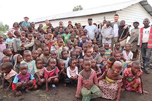 Donation de kits d'éducation en RDC