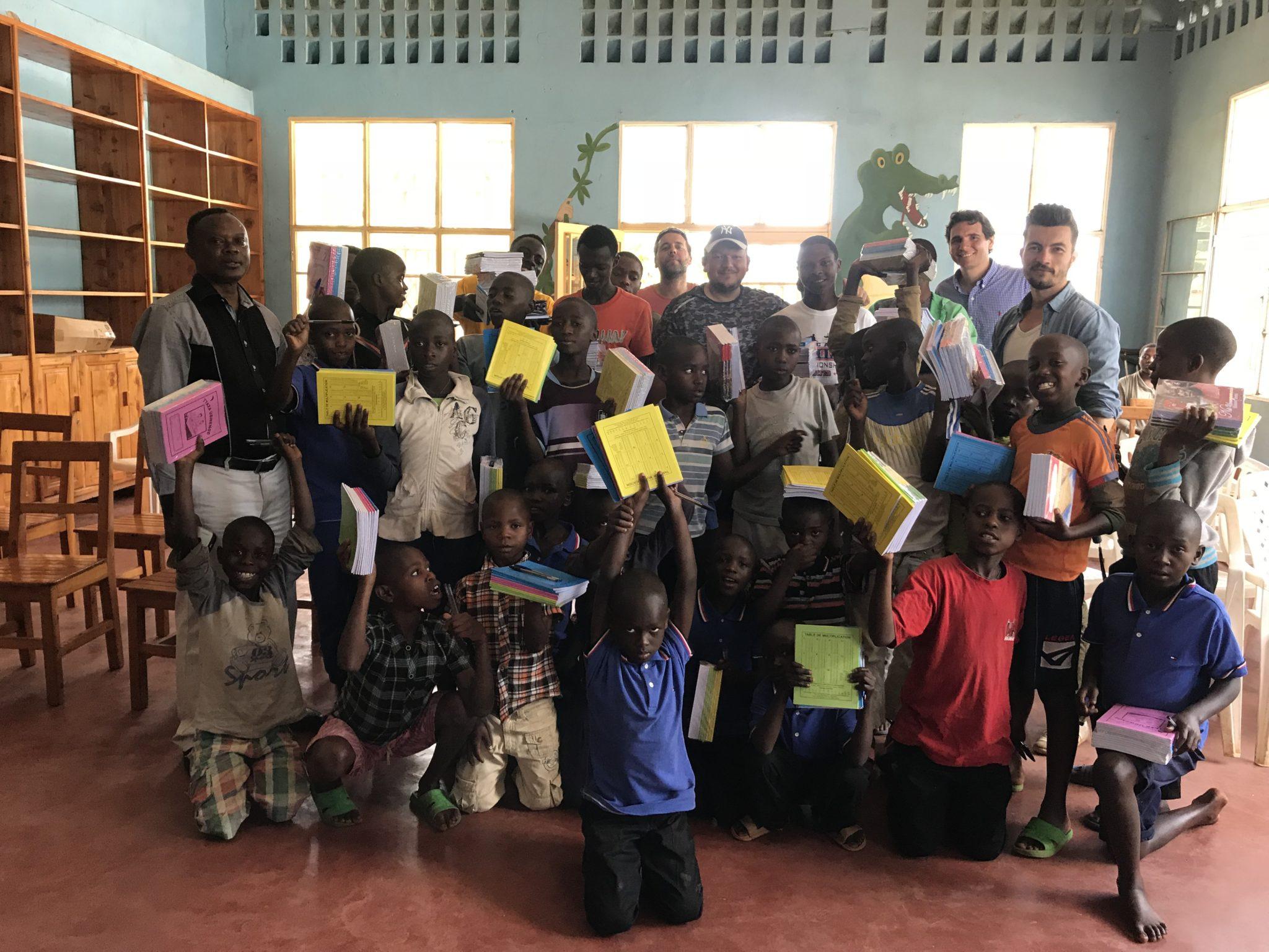 Don de kits d'éducation – Butare – Avril 2018